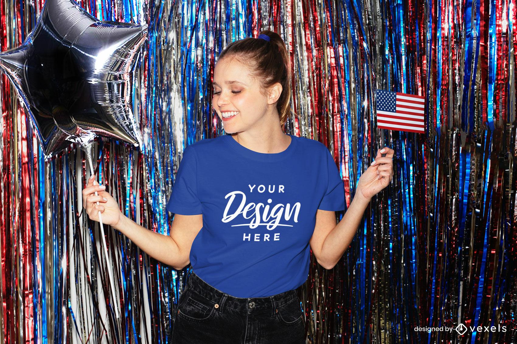 Blaues T-Shirt Mädchenmodell mit amerikanischer Flaggenparty