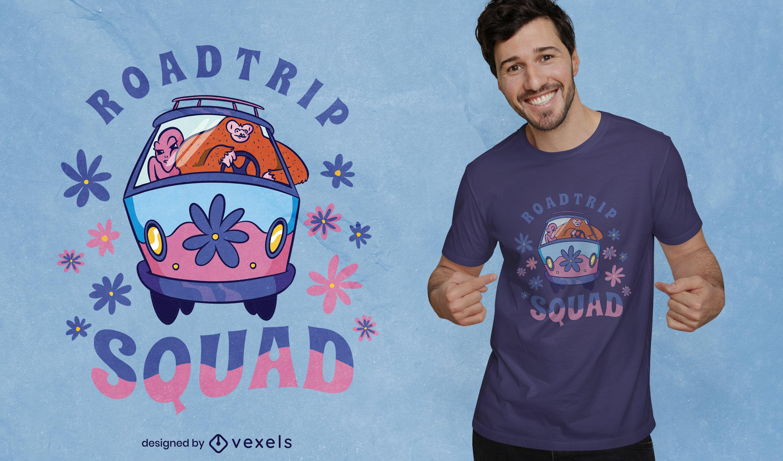 Design de camiseta para viagem de estrada alienígena e pé-grande