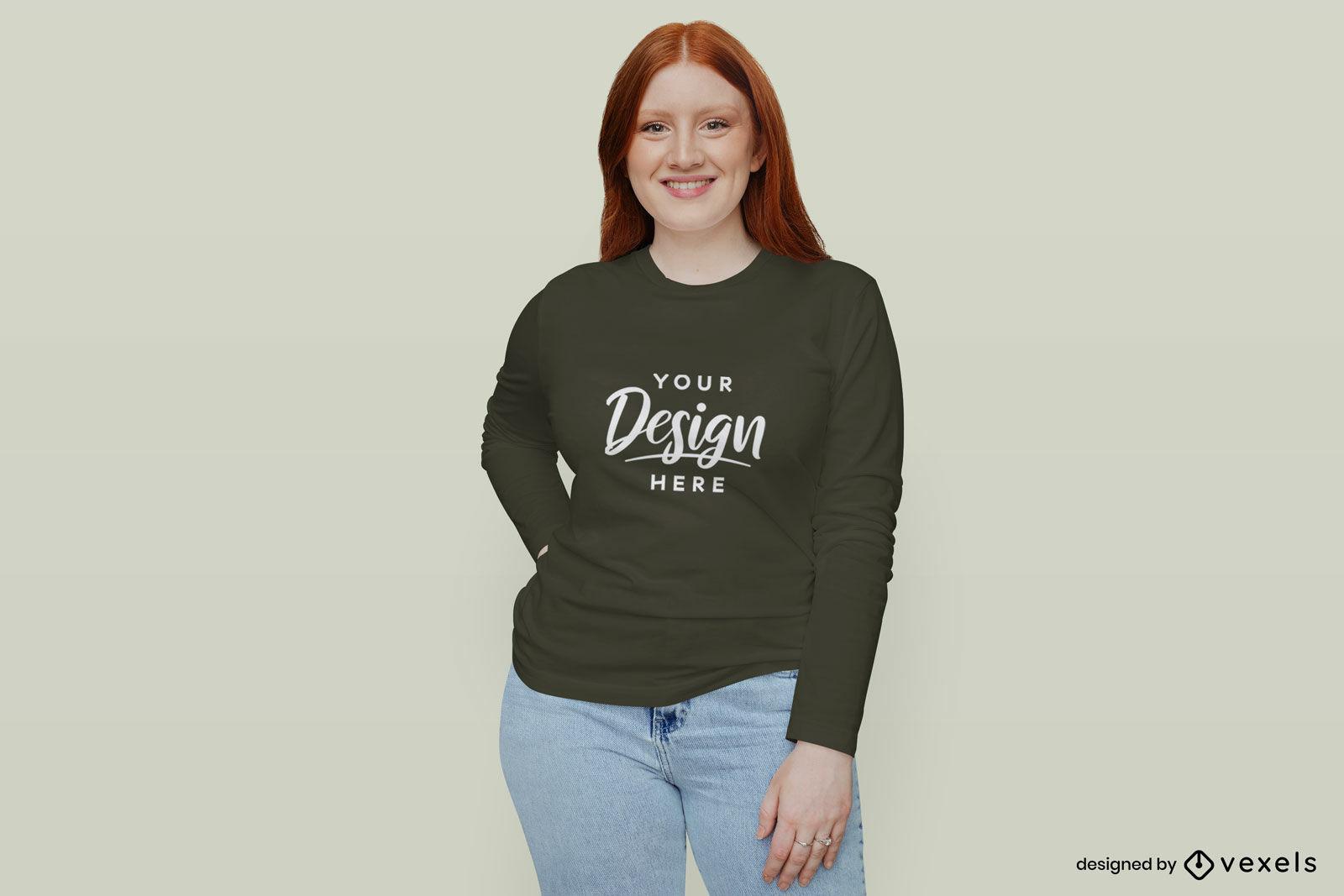 Chica en fondo plano de maqueta de camiseta de manga larga negra