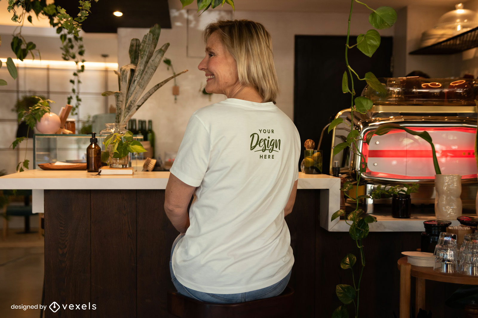 Woman white t-shirt back mockup sitting in bar