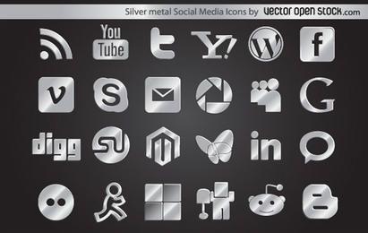 Iconos de redes sociales de metal plateado