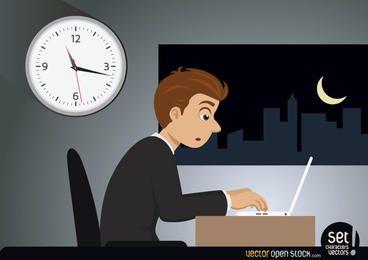 Trabajador de negocios trabajando tarde en la noche