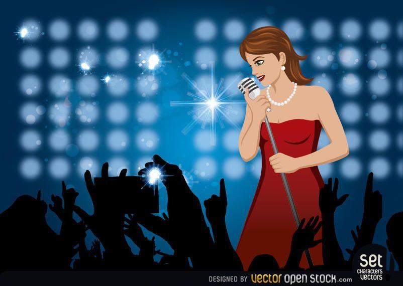 Chica cantando en un concierto