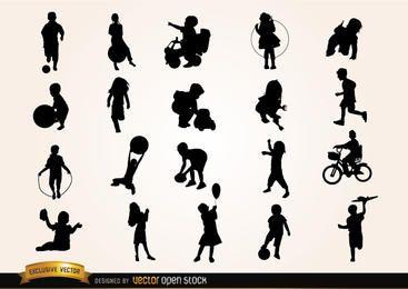 Kinder spielen Silhouetten