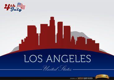Siluetas de la ciudad de Los Ángeles el 4 de julio.