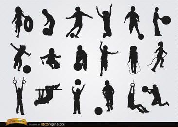 Crianças brincando com 18 silhuetas