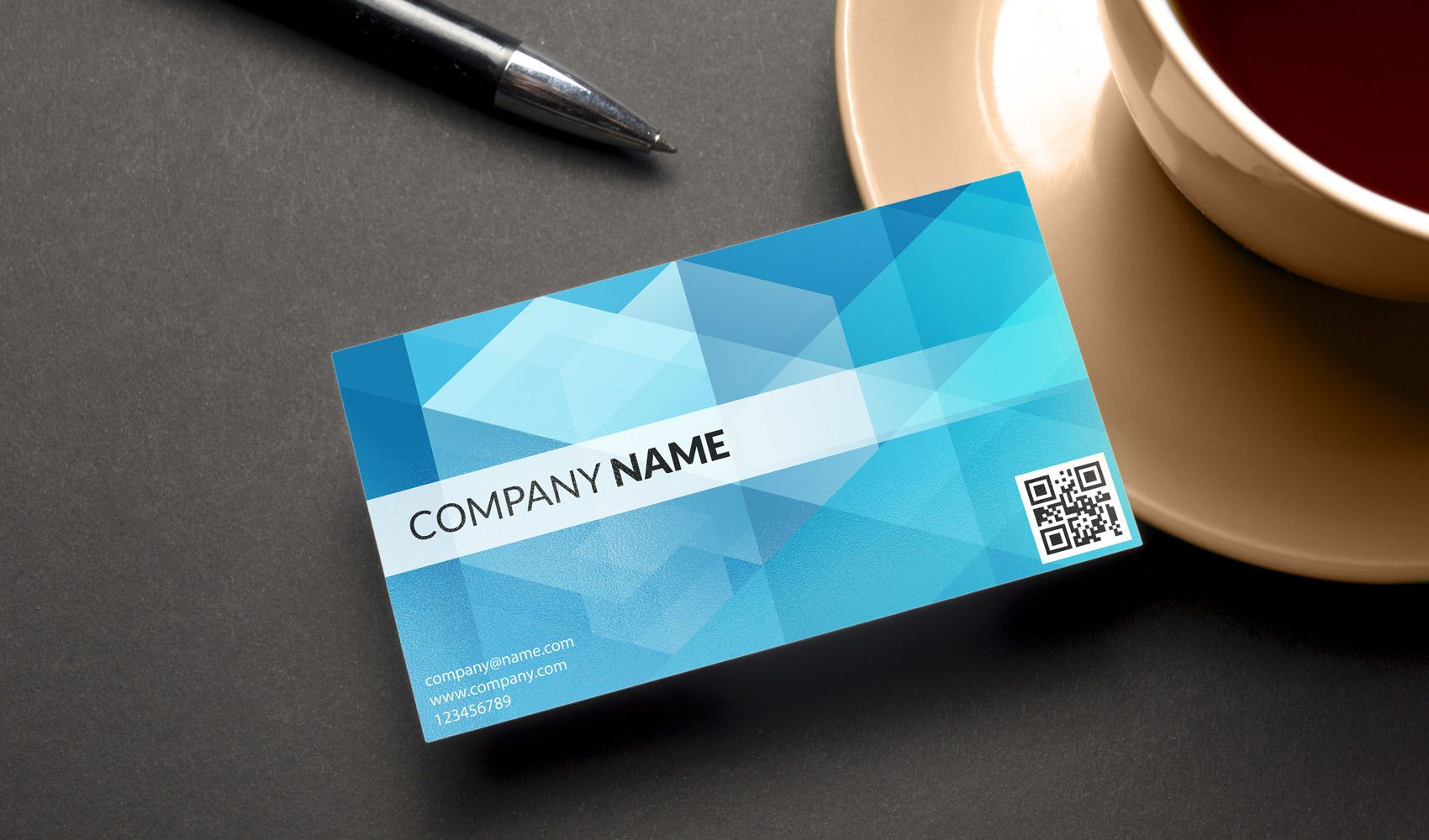 Tarjeta de visita corporativa con código QR