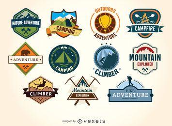Caminhadas e camping emblemas de etiquetas retros do vintage