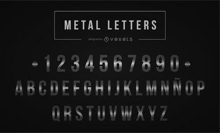 Letras de metal prateado